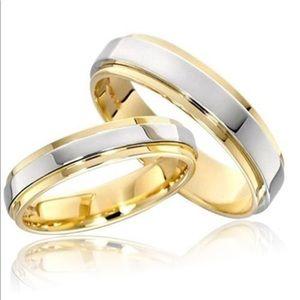 Jewelry - 18K gold wedding band
